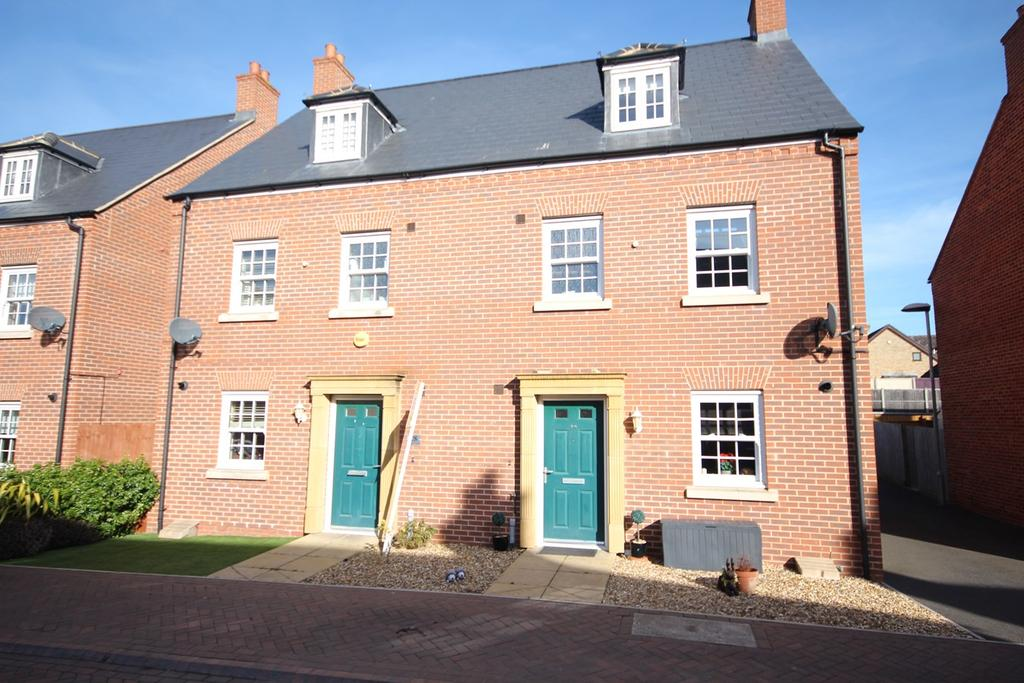 4 Bedrooms Town House for sale in Bridge View, Shefford, SG17