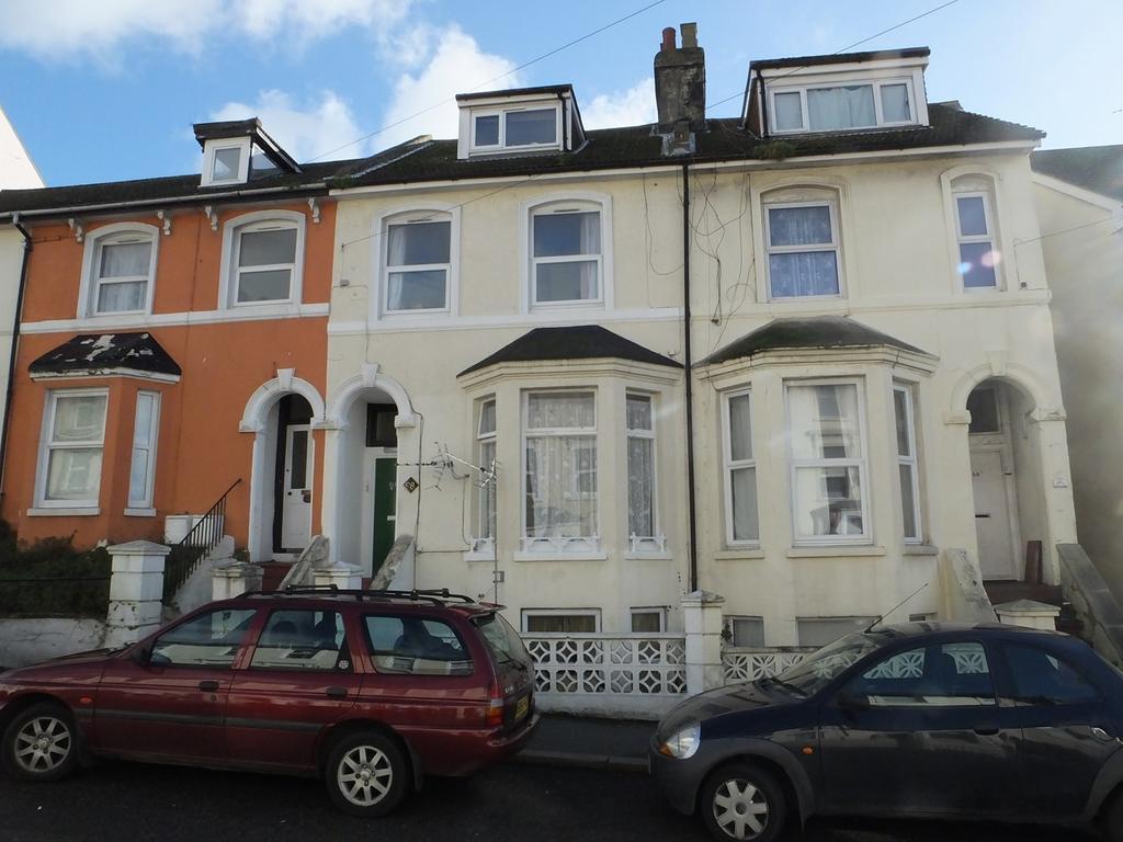 1 Bedroom Flat for sale in Dover road, Folkestone, CT20