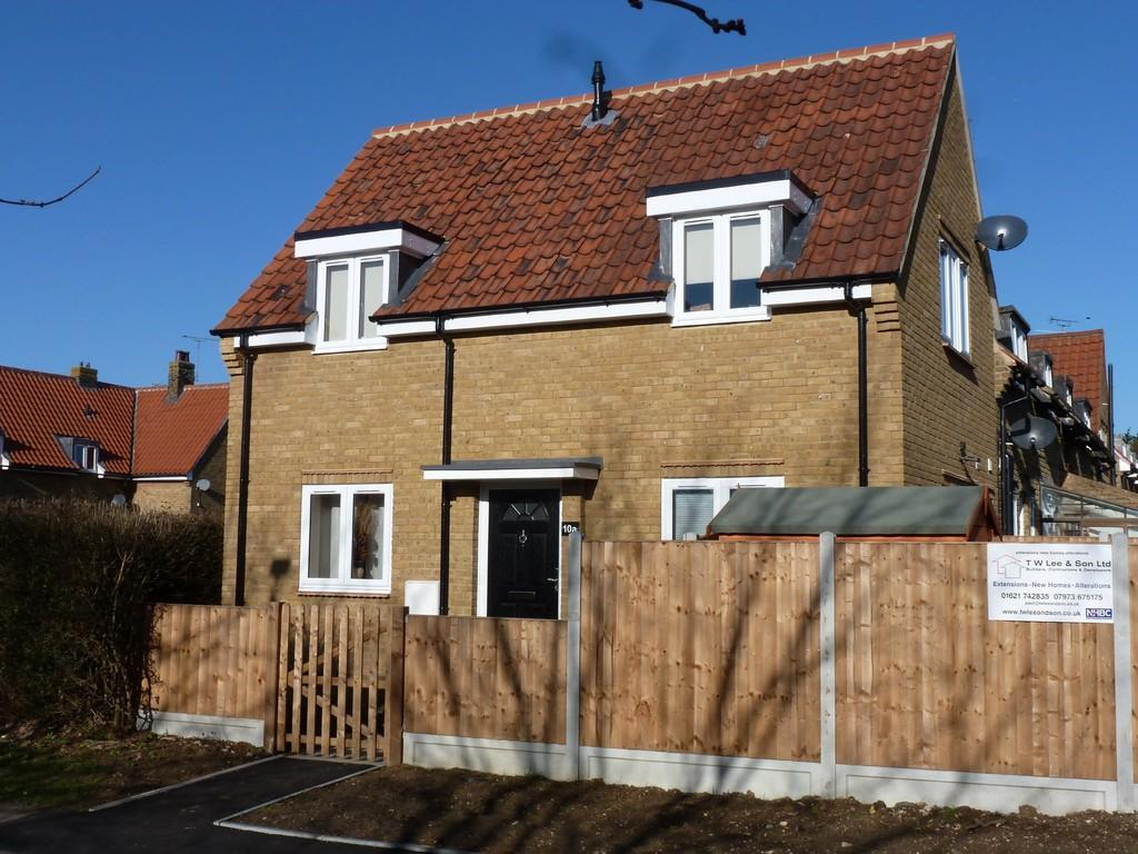 2 Bedrooms End Of Terrace House for sale in Fitches Crescent , Maldon