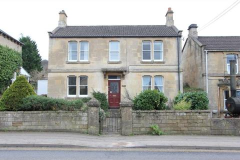 3 bedroom detached house for sale - London Road, Box