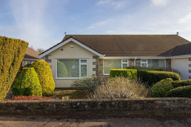 2 Bedrooms Semi Detached Bungalow for sale in Carys Close, Penarth