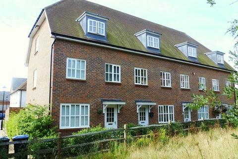 4 bedroom townhouse for sale - Farriers Lea, Bolnore Village, Haywards Heath,