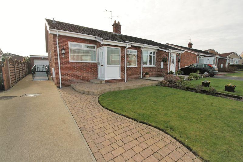 2 Bedrooms Semi Detached Bungalow for sale in Seaham Close, Norton, Stockton, TS20 1RT