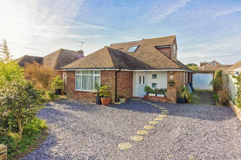 4 Bedrooms Bungalow for sale in Windermere Crescent, Goring-by-Sea