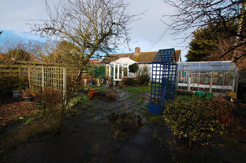 3 Bedrooms Semi Detached Bungalow for sale in Thorpe Road, Southrepps