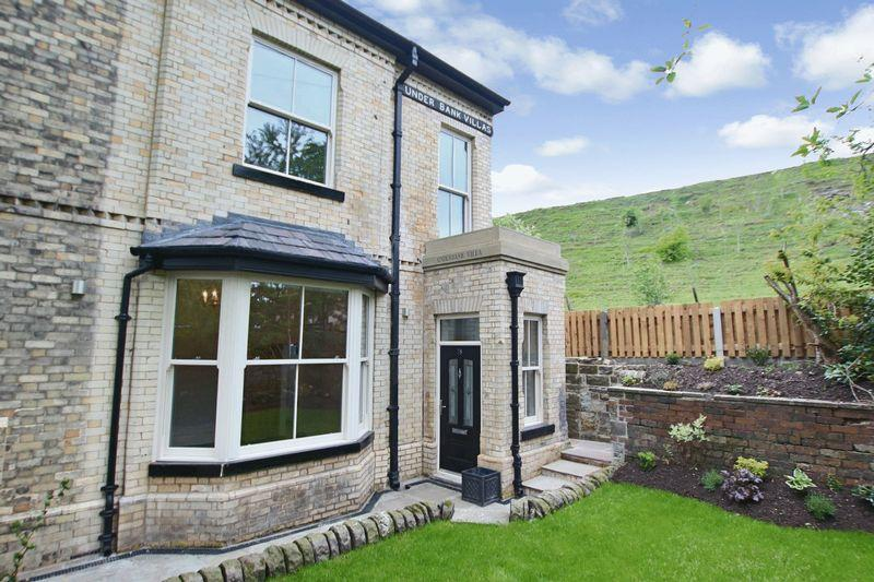 4 Bedrooms Terraced House for sale in Underbank Villas, Thomas Street, Whitworth, Rochdale OL12 8DG