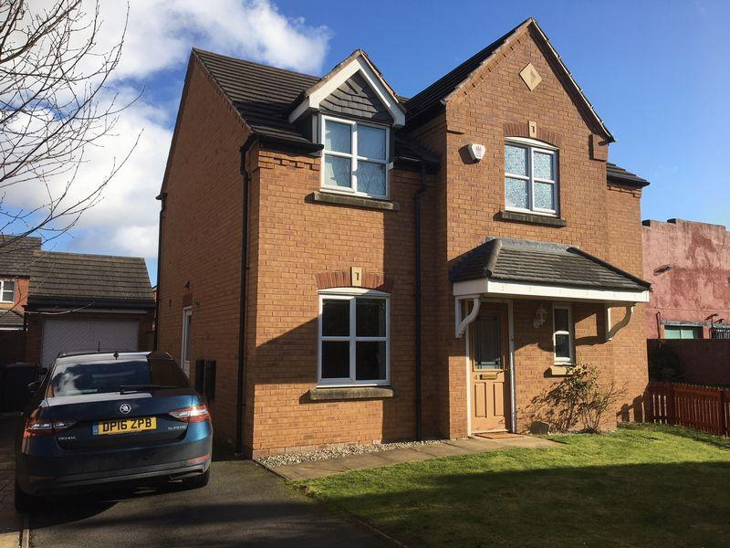 4 Bedrooms Detached House for sale in Old Toll Gate, St. Georges,Telford