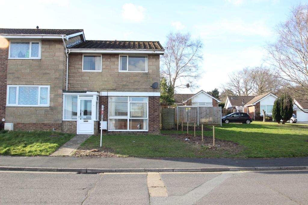 3 Bedrooms Semi Detached House for sale in Rectory Drive, Wootton Bridge