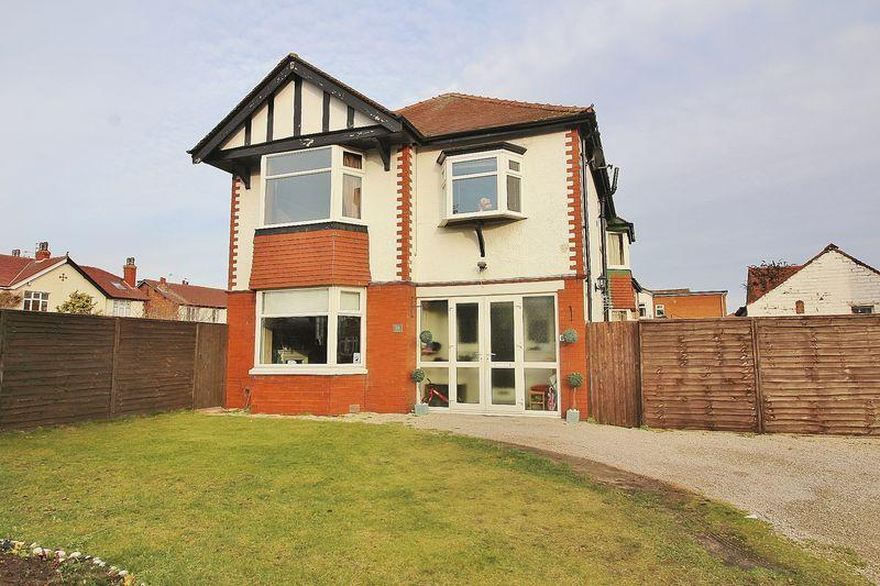 3 Bedrooms Semi Detached House for sale in Fairfield Road, Ainsdale