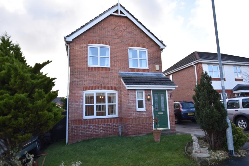 3 Bedrooms Detached House for sale in Forest Walk, Buckley