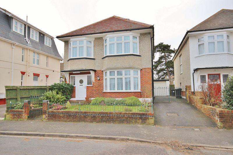 4 Bedrooms Detached House for sale in Newstead Road, Southbourne, Bournemouth