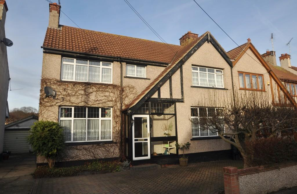 4 Bedrooms Semi Detached House for sale in Hadleigh, Essex