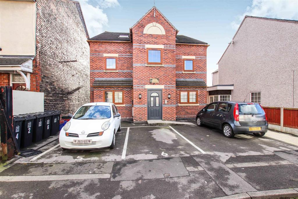 1 Bedroom Apartment Flat for sale in Heaton Court, Heaton Terrace, Porthill, Newcastle, Staffs