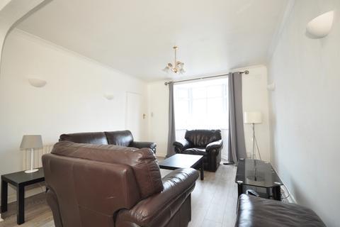 3 bedroom semi-detached house to rent - Sanyhils Avenue Brighton BN1