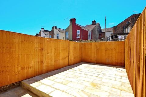 3 bedroom terraced house to rent - Newcome Road Fratton PO1