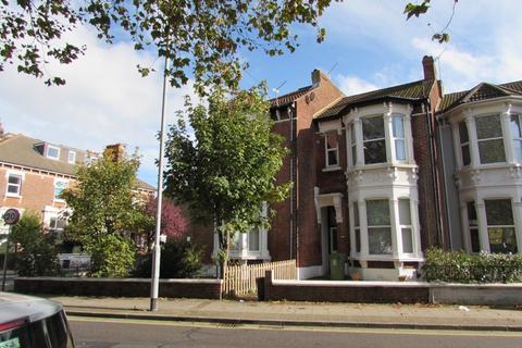 1 bedroom apartment to rent - Waverley Road Southsea PO5