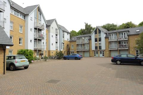 2 bedroom apartment to rent - Bingley Court Canterbury CT1