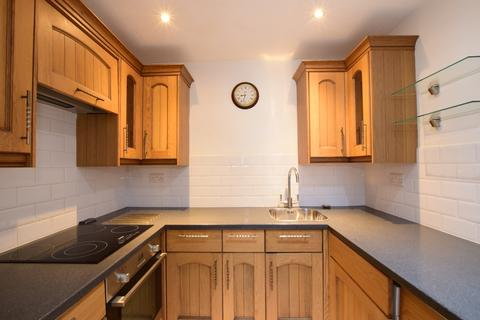 1 bedroom ground floor flat to rent - Elphinstone Road Southsea PO5