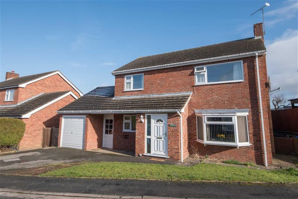 3 Bedrooms Detached House for sale in Parc Y Llan, Llanfair Dyffryn Clwyd, Ruthin