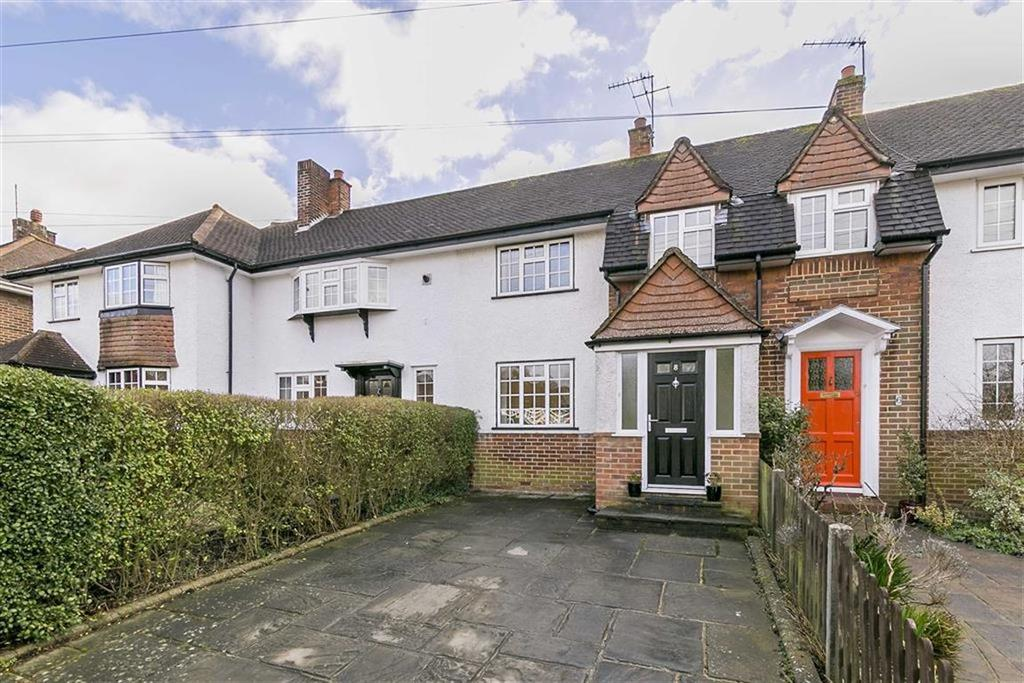 3 Bedrooms Terraced House for sale in Chapel Way, Epsom