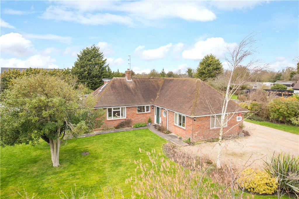 5 Bedrooms Detached Bungalow for sale in Crowbrook Road, Askett, Princes Risborough, Buckinghamshire