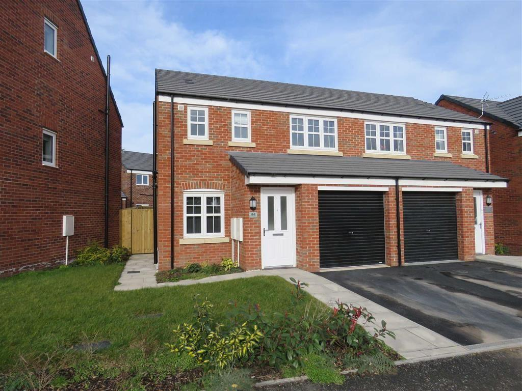 3 Bedrooms Semi Detached House for sale in Tetchill Brook Road, Ellesmere, SY12