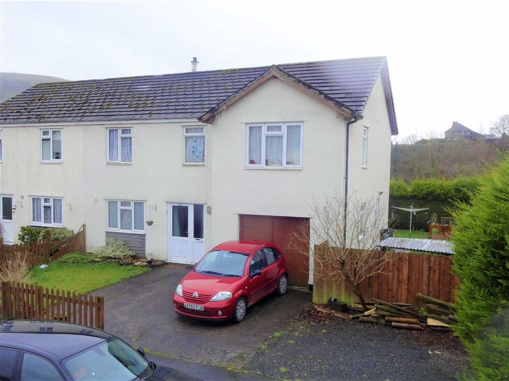 5 Bedrooms Semi Detached House for sale in 111, Glanclegyr, Llanbrynmair, Powys, SY19