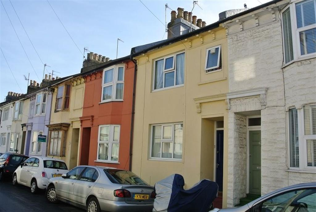4 Bedrooms House for rent in Park Crescent Road, Brighton, BN2 3HS.