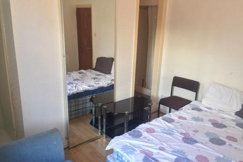 1 bedroom house share to rent - Keswick Grove (On-Suite room), Salford, Manchester M6