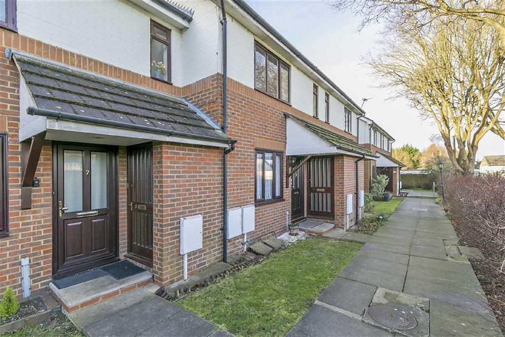 1 Bedroom Flat for sale in Melford Close, Chessington, Surrey
