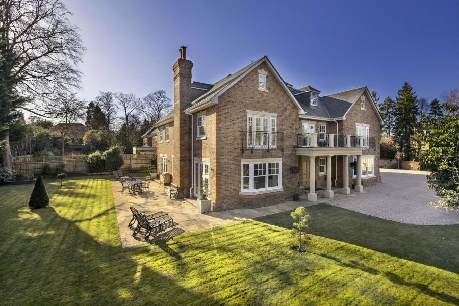 5 Bedrooms Detached House for sale in Ascot, Berks