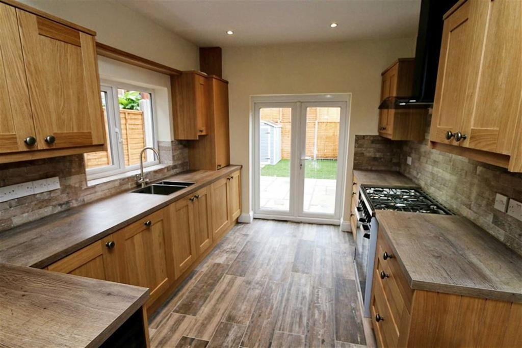 3 Bedrooms Terraced House for sale in Griffin Road, Plumstead, London, SE18