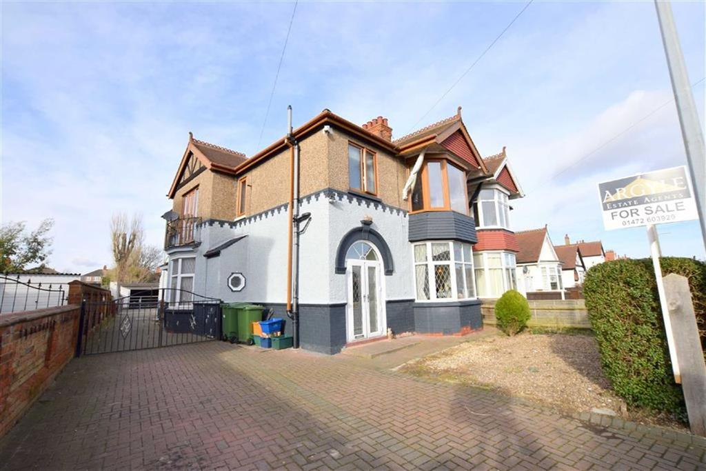 2 Bedrooms Flat for sale in Taylors Avenue, Cleethorpes, North East Lincolnshire