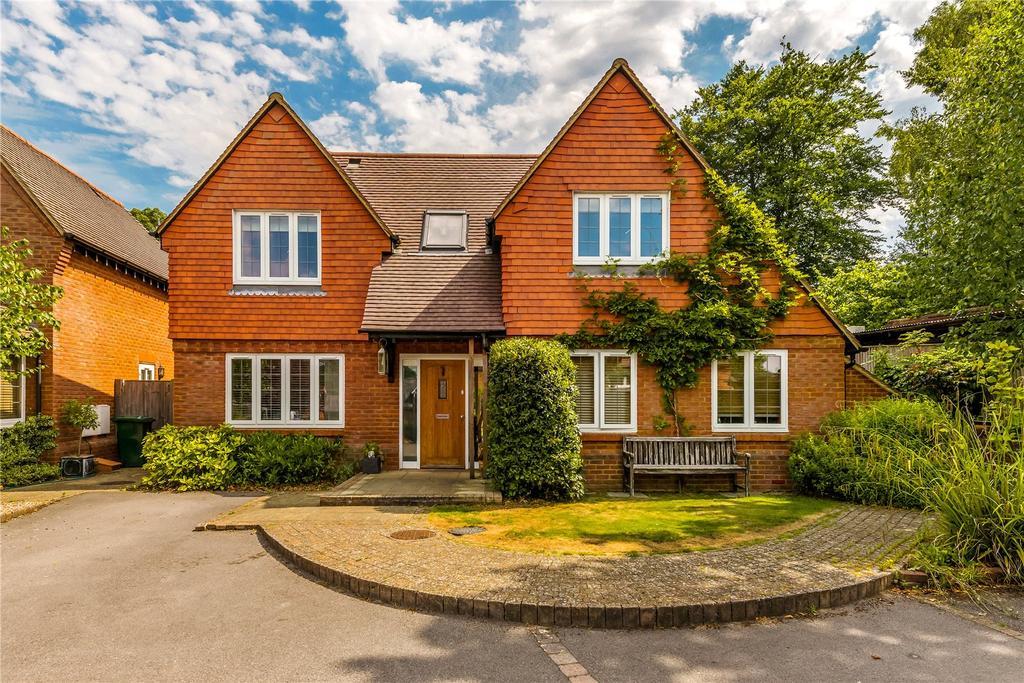 4 Bedrooms Detached House for sale in Vann Road, Fernhurst, Haslemere, Surrey