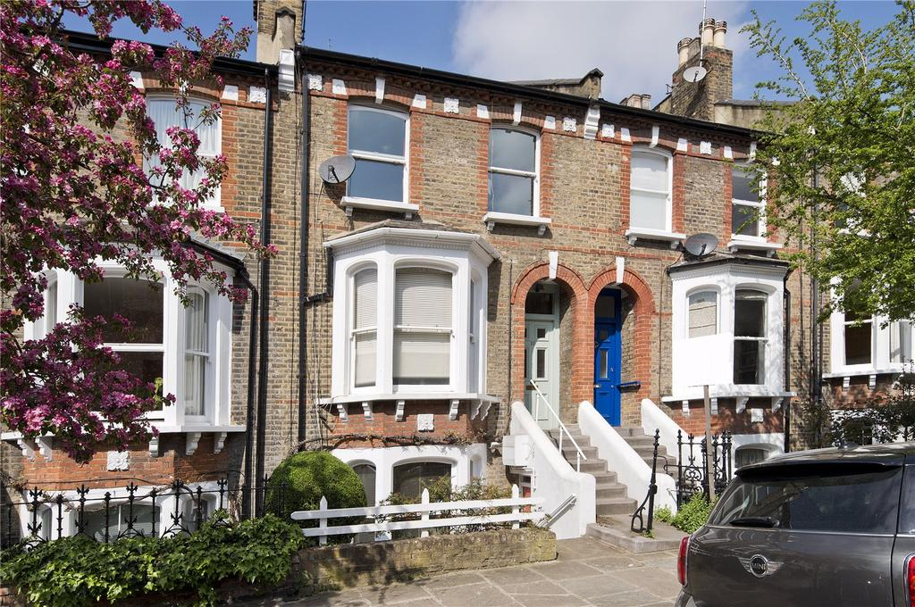 2 Bedrooms Flat for sale in Oakford Road, Kentish Town, London