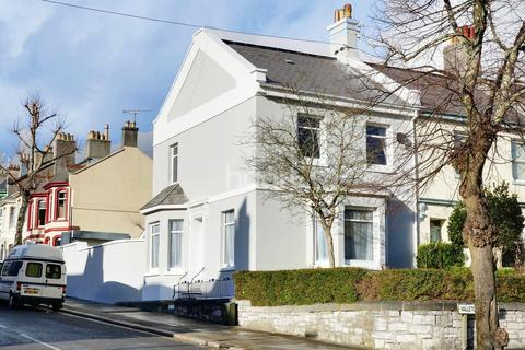 3 bedroom end of terrace house for sale - Valletort Road, Stoke