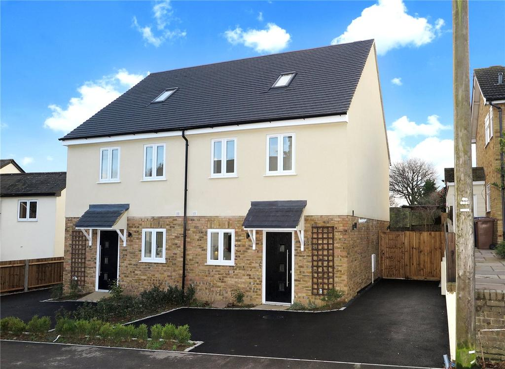3 Bedrooms Semi Detached House for sale in Westwood Cottages, Alma Lane, Farnham, Surrey, GU9