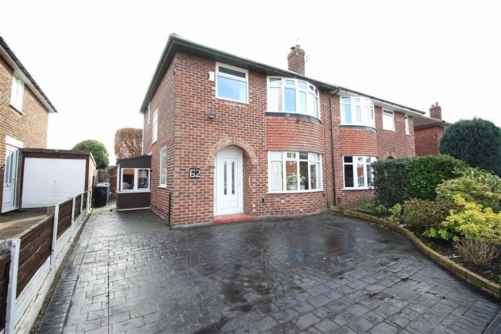 3 Bedrooms Semi Detached House for sale in Lorraine Road, Timperley
