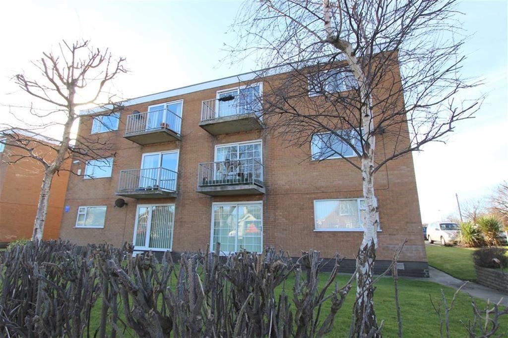 2 Bedrooms Apartment Flat for sale in Heyhouses Court, Lytham St Annes, Lancashire