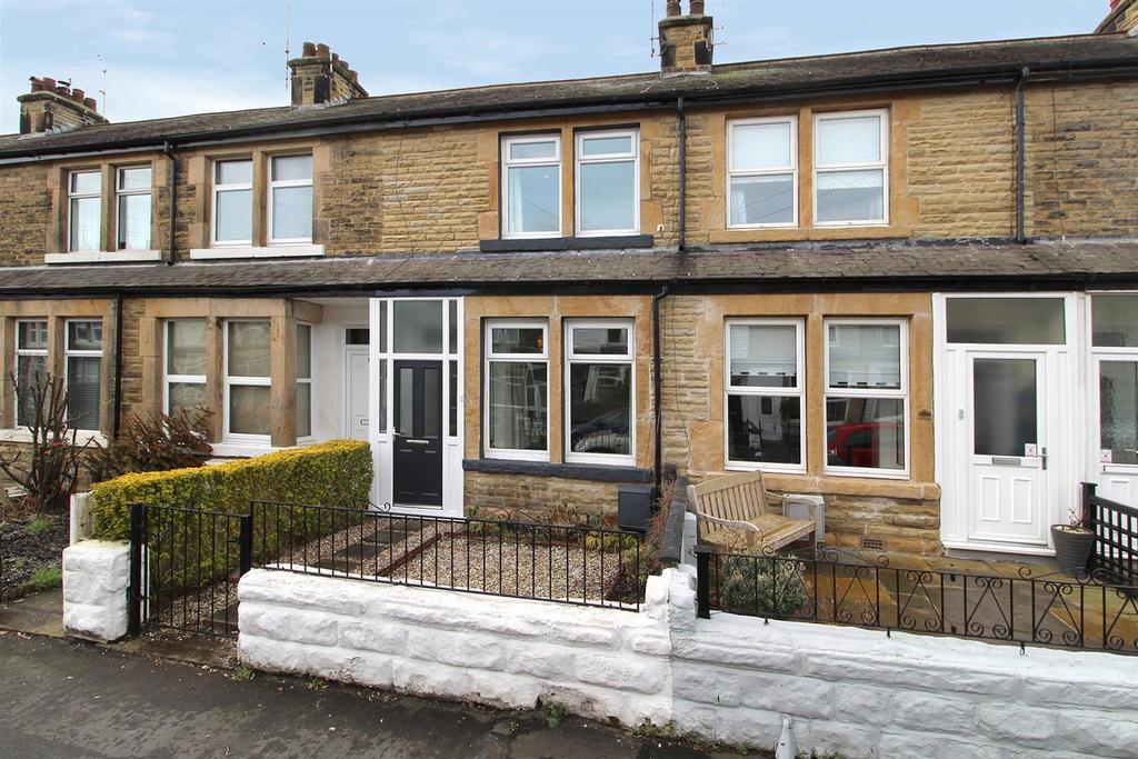 2 Bedrooms Terraced House for sale in Cecil Street, Harrogate