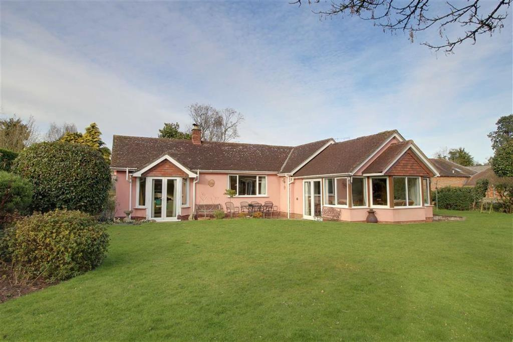 3 Bedrooms Detached Bungalow for sale in High Street, Newent