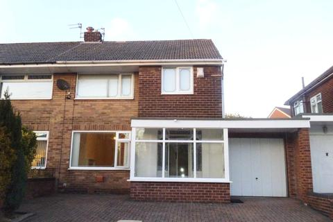 3 bedroom semi-detached house to rent - Mossway, Alkrington, Middleton, Manchester, M24