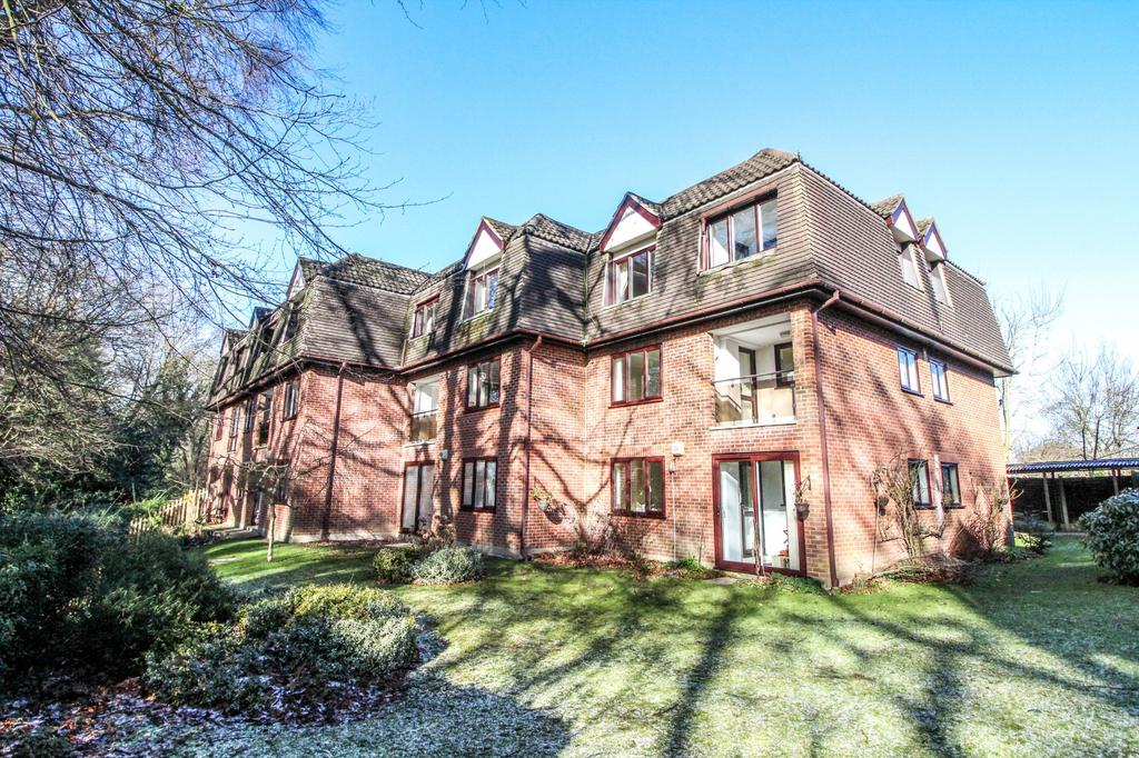 2 Bedrooms Retirement Property for sale in Beech Spinney, Lorne Road, Brentwood, Essex, CM14