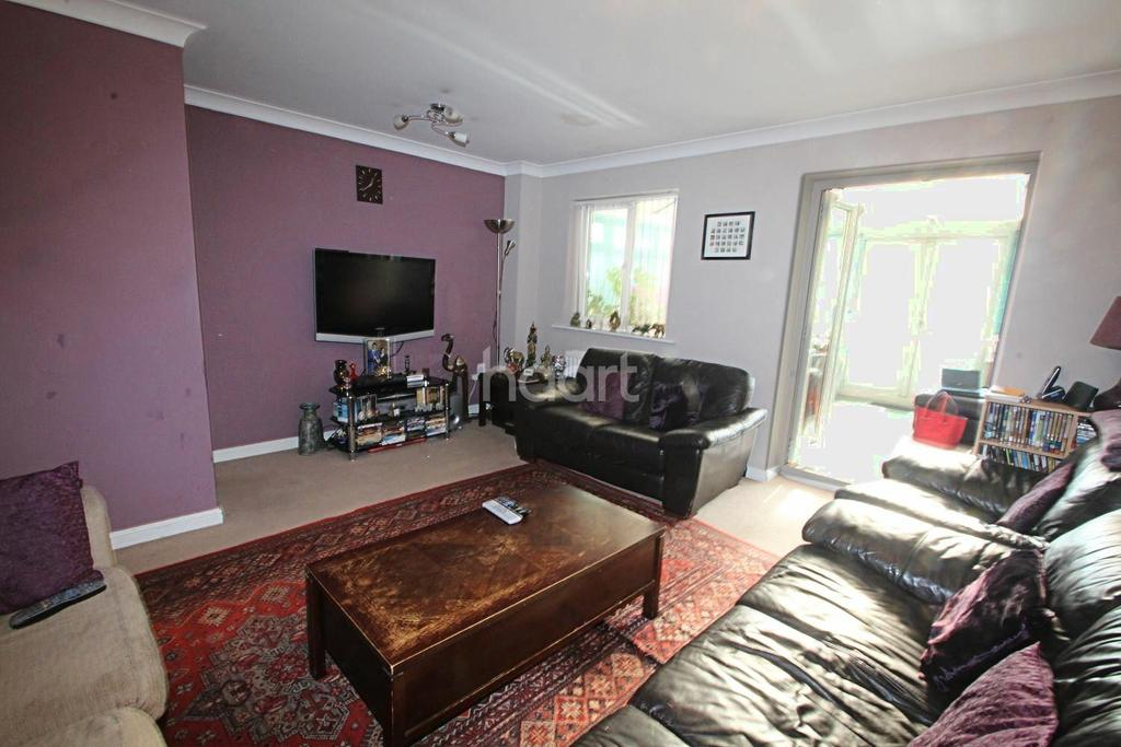 4 Bedrooms Terraced House for sale in Edmonstone Crescent, Bestwood, Nottingham