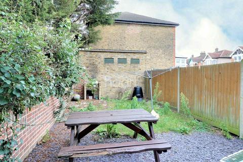 1 bedroom flat for sale - The Drive, Ilford, Essex