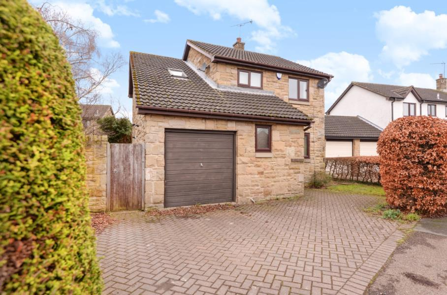 4 Bedrooms Detached House for sale in AINSTY ROAD, WETHERBY, LS22 7FY