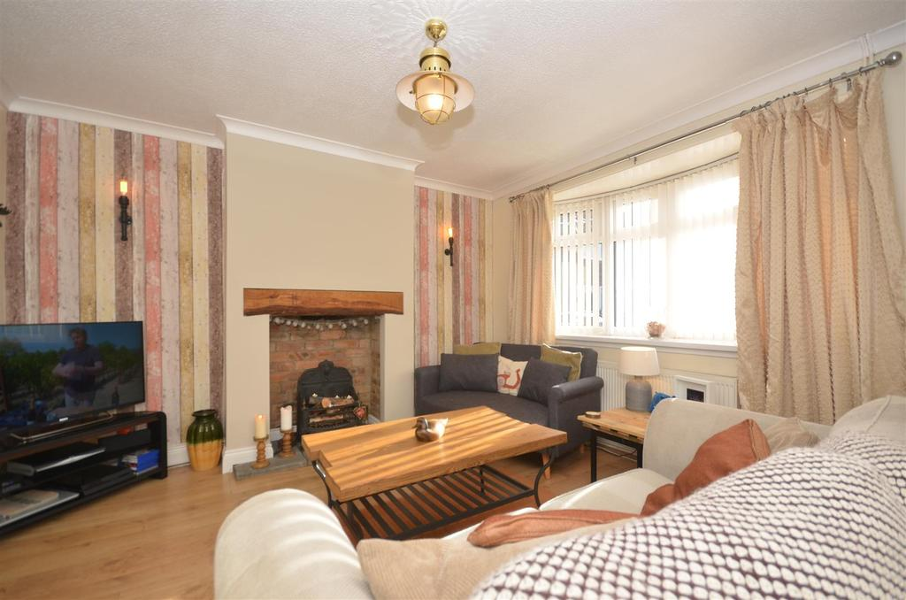 2 Bedrooms Semi Detached House for sale in Bedford Place, Silksworth, Sunderland