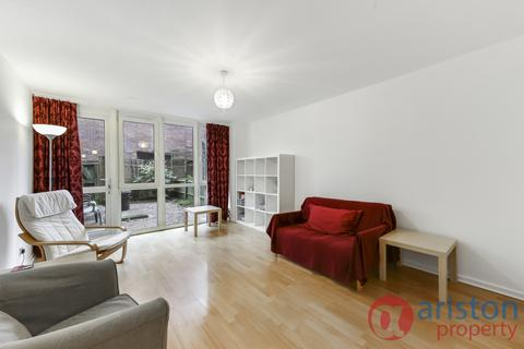 3 bedroom flat to rent - St. John's Way, Archway N19