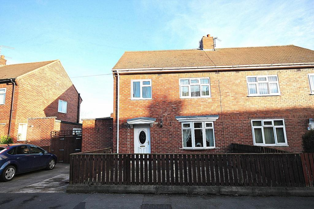 3 Bedrooms Semi Detached House for sale in Maple Crescent, Crook