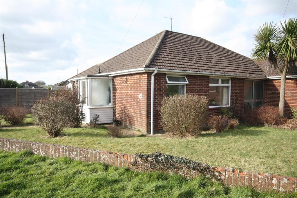 2 Bedrooms Semi Detached Bungalow for sale in Rogers Road, Bishopstoke, Eastleigh